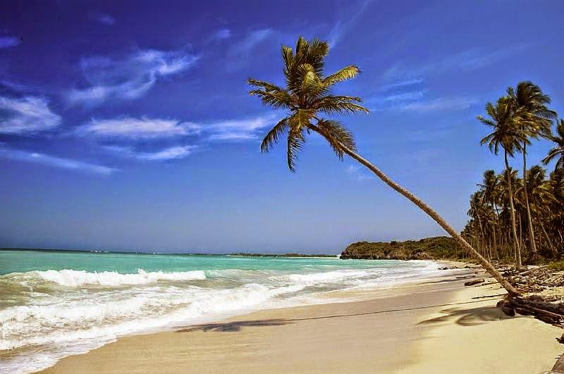 pantai terindah di Indonesia, tempat wisata terindah di Indonesia, pulau terindah di Indonesia, tempat terindah di Indonesia, kota terindah di Indonesia, pantai di Indonesia, gambar pemandangan indah