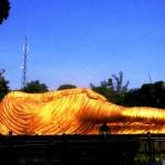 Liat Patung Budha Tidur Gak Perlu Jauh-jauh ke Thailand, di Mojokerto Juga Ada Lho!