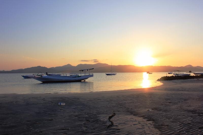 Senja di Pulau Bawean Gresik via Rusa Bawean
