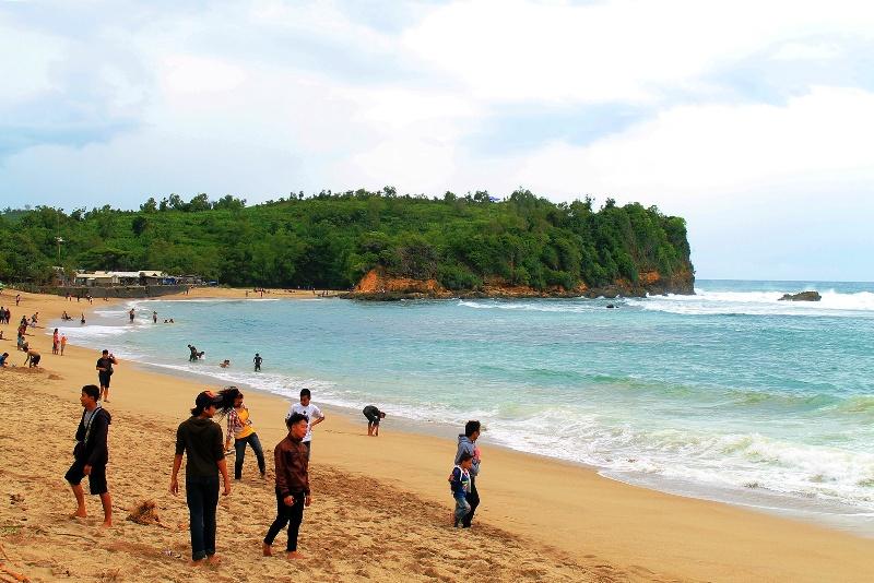 Pantai Serang Blitar Selatan