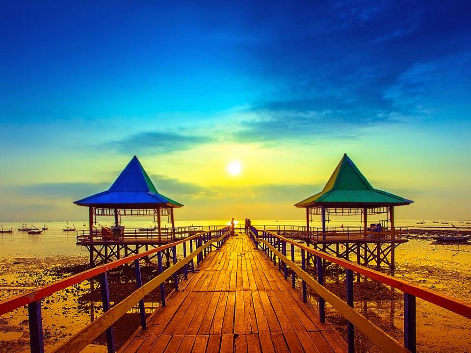 Pemandangan di Pantai Kenjeran Lama, Pantai Ria Kenjeran Surabaya