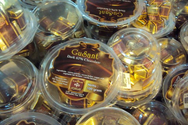berbagai produk dari Kampung Coklat Blitar