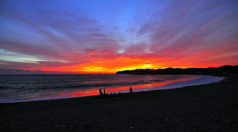sunset di Pantai Tambak Rejo Blitar Selatan
