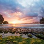 Pantai Batu Bengkung Malang dengan Keindahan Pemandangan Sunsetnya