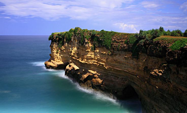 Pantai Karang Bolong Pacitan-2