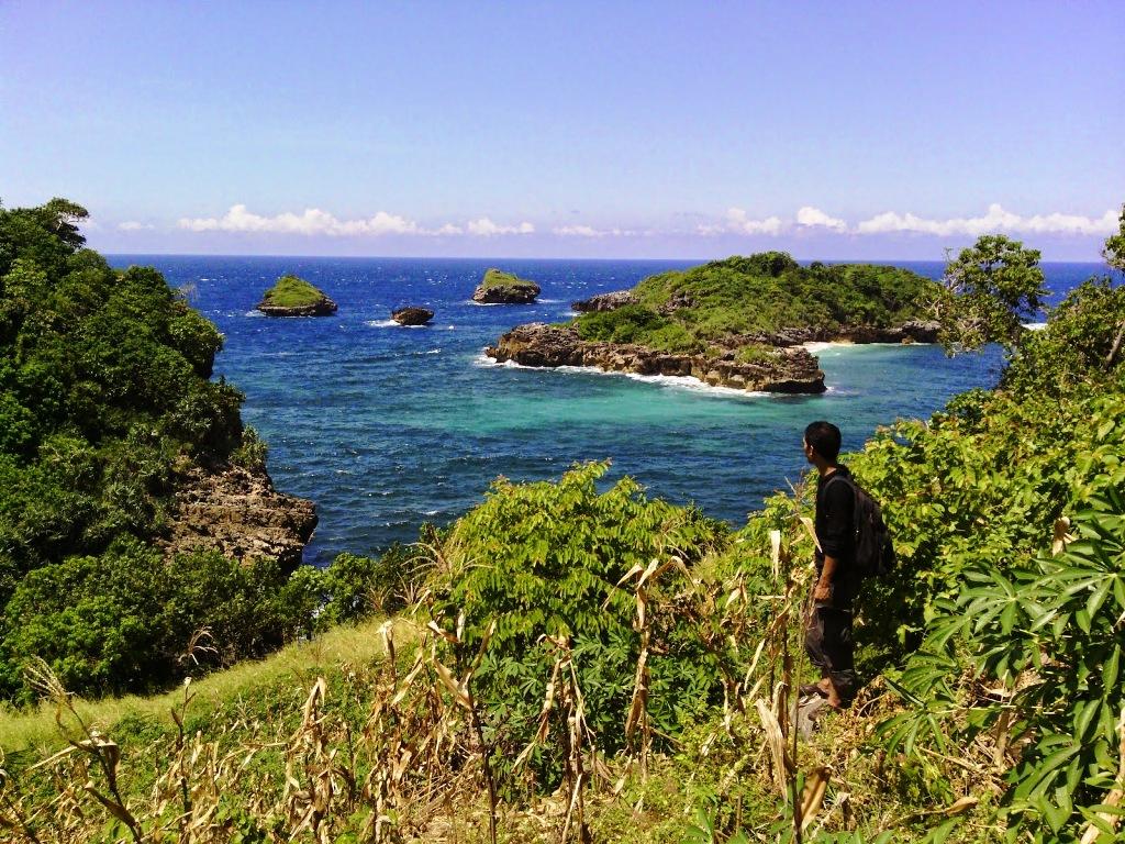 Pantai Peh Pulo Blitar Versi Mini Raja Ampat Di Jawa Timur
