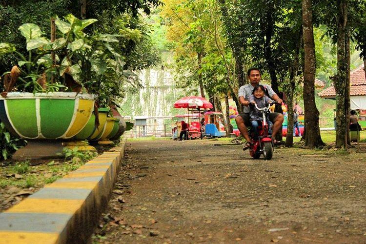 Taman Rekreasi Margasatawa Seruling Mas