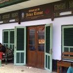 Belanja Sekaligus Belajar di Wisata Rumah Batik Jawa Timur