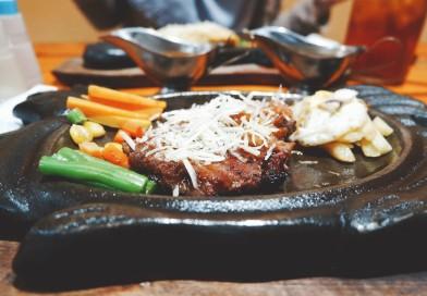 Hot Steak Pedas Surabaya, Tawarkan Sajian Steak Enak dan Murah