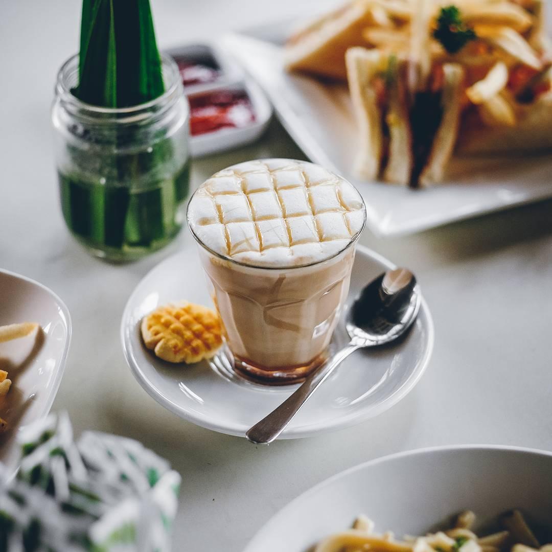 Bataputi Coffee House