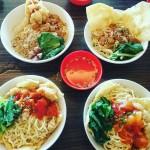 Kedai Hot Cui Mie Malang, Kuliner Unik dengan Mangkok yang Bisa Dimakan