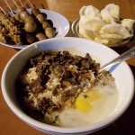 Bubur Ayam Mang Dudung, Kuliner Tengah Malam yang Menggila di Surabaya
