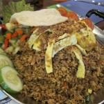Nasi Goreng Jancuk, Kuliner Wajib untuk Pencinta Makanan Pedas di Surabaya