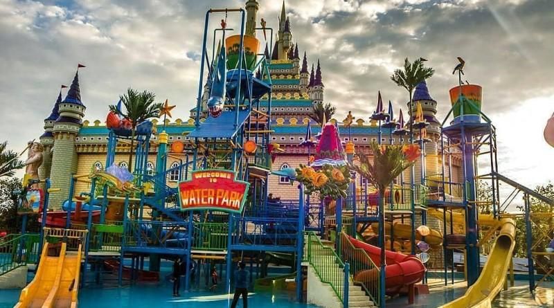 Hasil gambar untuk Atlantis Land Kenjeran