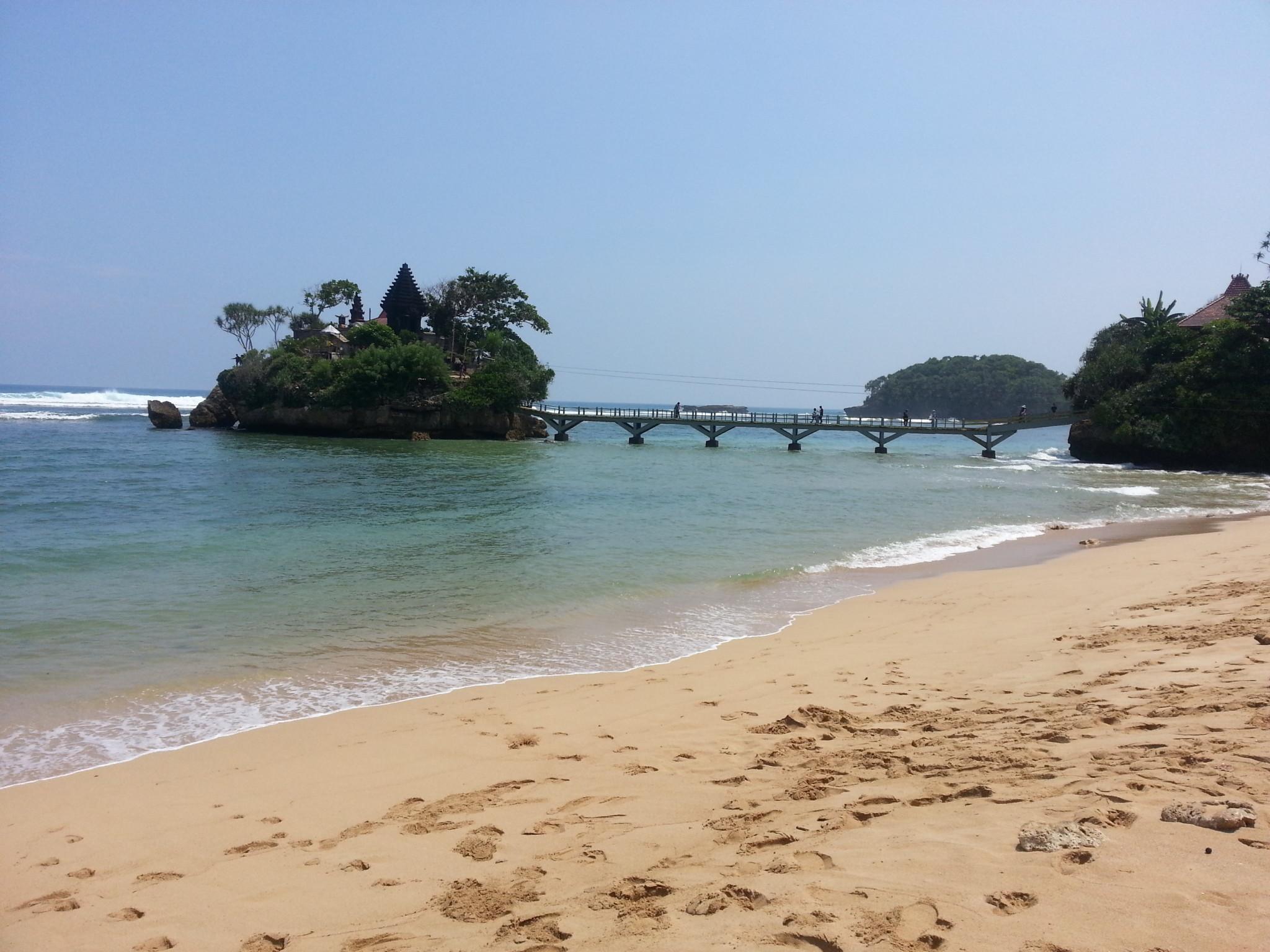 Pantai Balekambang Malang