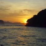 Pantai Goa Cina Malang, Paduan Pantai dengan Sunrise Cantik dan Ombak yang Liar