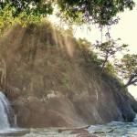 Air Terjun Banyu Anjlok Malang, Kombinasi Wisata Air Terjun dan Pantai di Satu Tempat