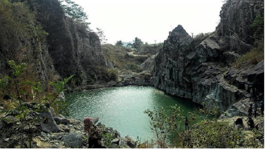 Danau Batu Bacan