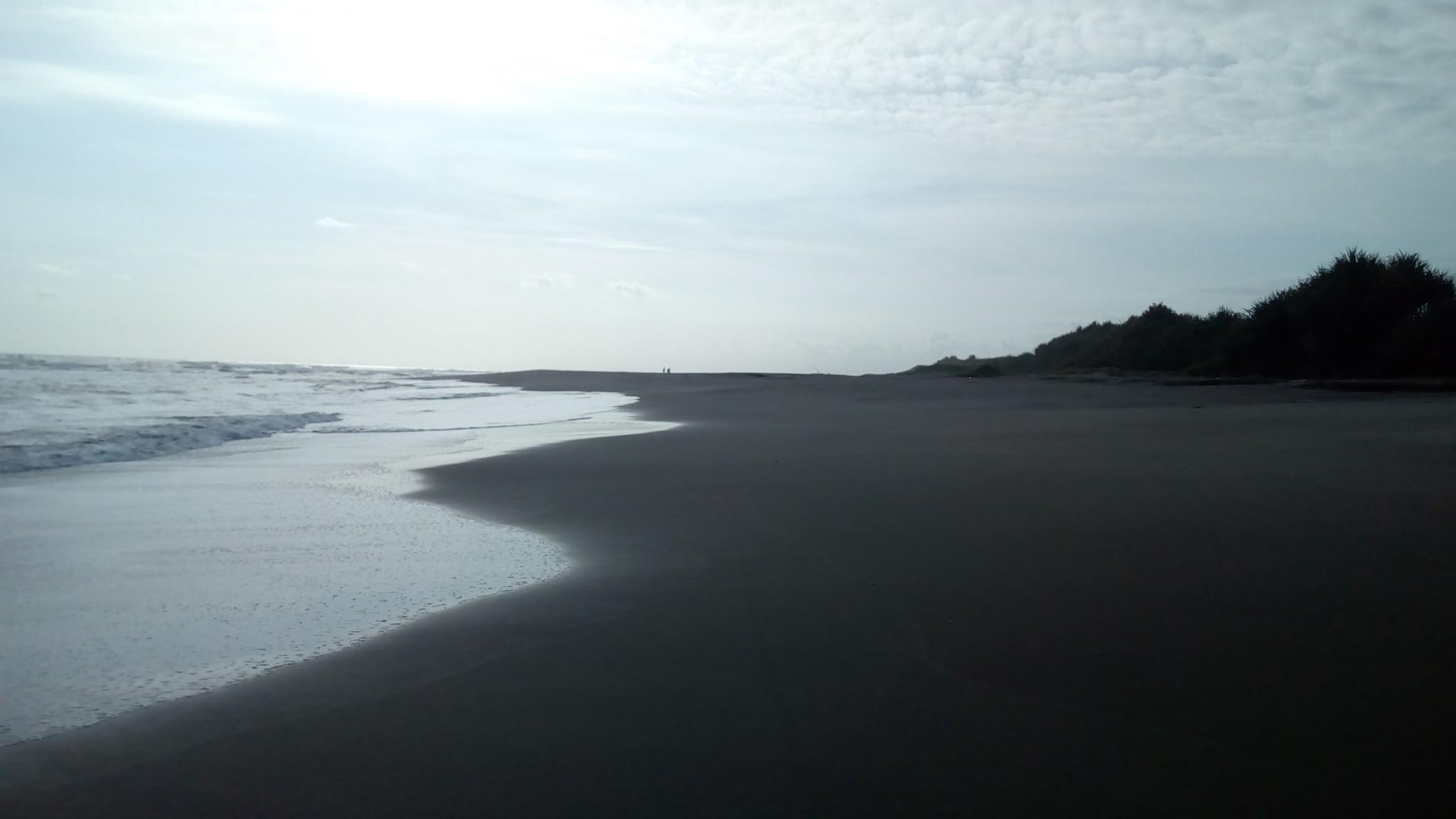 Daya Tarik Pantai Sereg Cianjur Selatan