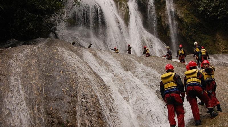 Goa Buniayu, Wisata Perut Bumi Penuh Tantangan di Sukabumi