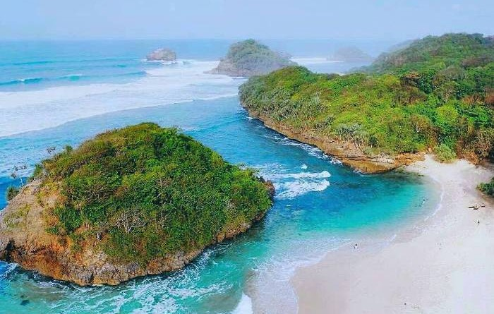Pantai Bantol Malang