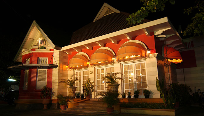 Restoran Pesta Keboen Semarang, Sajian Kuliner Tradisional dengan Balutan Suasana Tempoe Doeloe