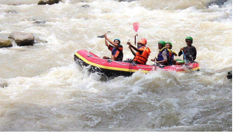 WWisata Arung Jeram Sungai Cikundul