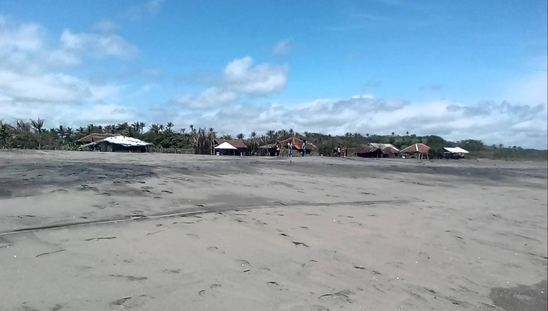 fasilitas pantai apra cianjur selatan