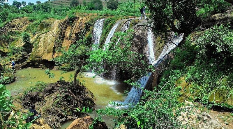 Air Terjun Lembah Bongok Tuban