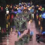 Wisata Baru di Surabaya, Menyusuri Kalimas yang Berhias Lampion di Malam Hari